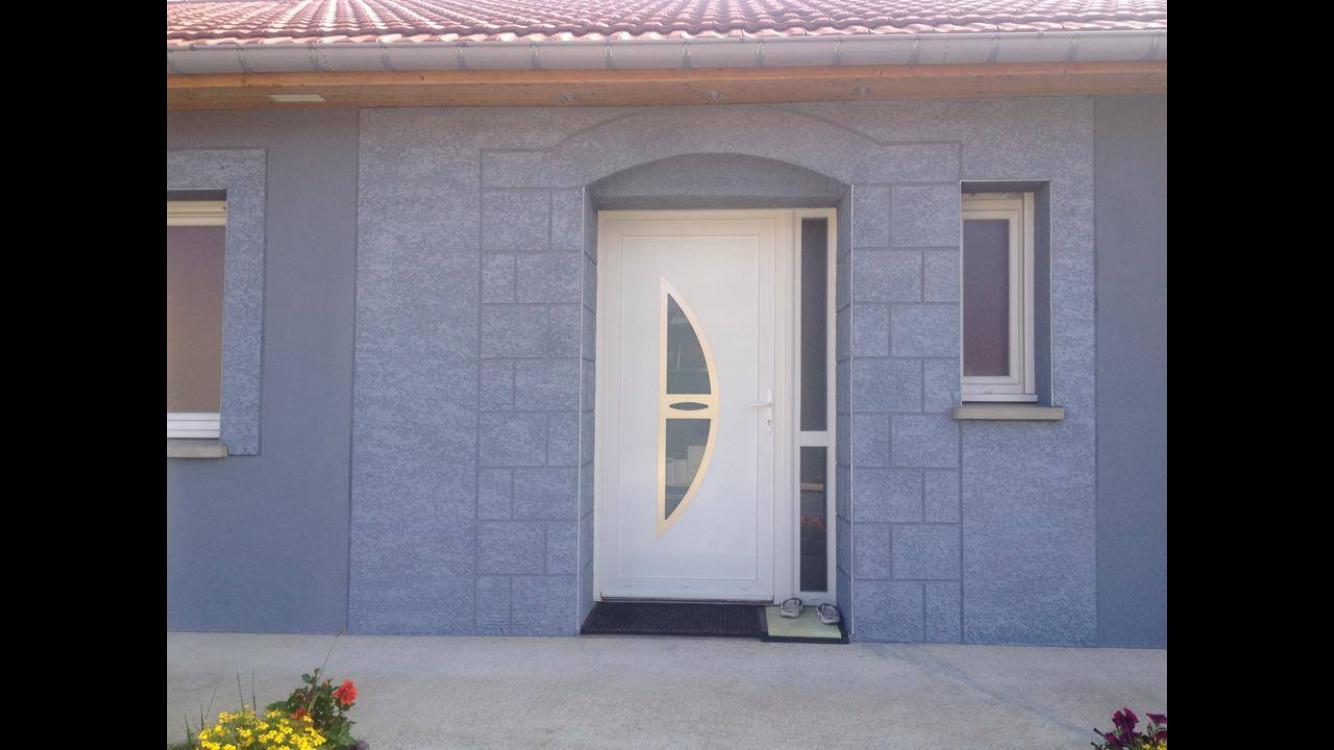 maison avec décoration crépi isolation rénovation ravalement enduit peinture épinal